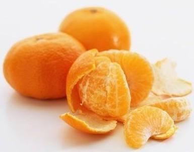 一个橘子有五种药物,所以吃橘子可以预防三种癌症。
