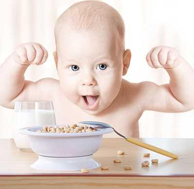 """餐桌变成你的""""主场"""" 3招让宝宝爱上""""营养餐"""""""