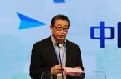 中国医学科学院药物研究所所长蒋建东宣布获奖名单