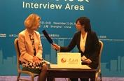 Gina Radford英国副首席医疗官