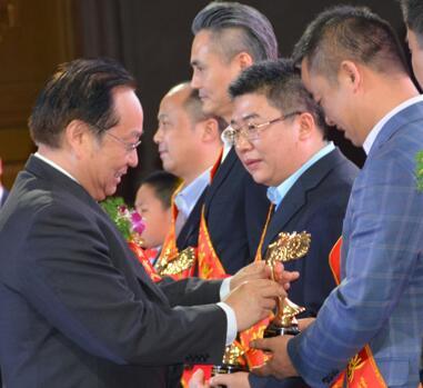 爱心飞翔 公益中国行 第三季在京启动 联盛药业等8家药企参与
