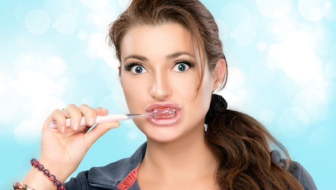"""世界标准""""刷牙""""姿势公布 你刷对了吗?"""