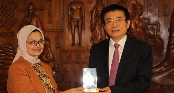 于文明局长会见印度尼西亚共和国食药局局长