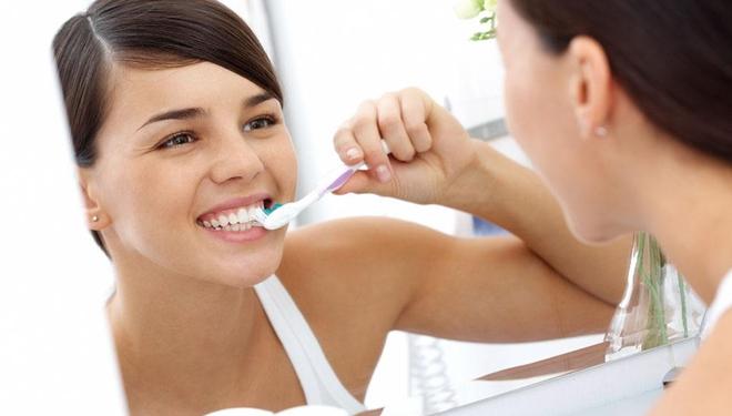 为啥刷牙时牙龈总出血?