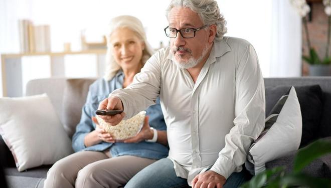 老人看太多电视影响记忆力