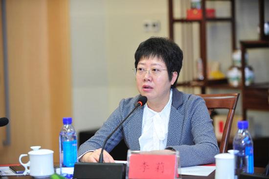 李莉 首都医科大学附属北京儿童医院眼科主任、中华医学会眼科分会眼视光学组委员