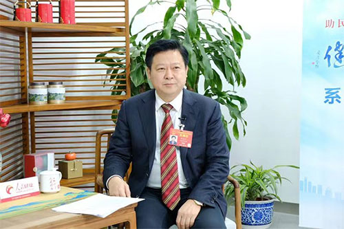 """刘志仁代表:全力打造""""向南开放看郴州""""的品牌"""