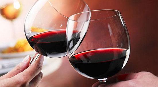 喝红酒减肥?当心越减越肥