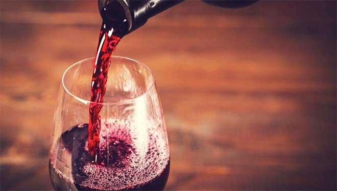喝一瓶酒等于抽多少支烟