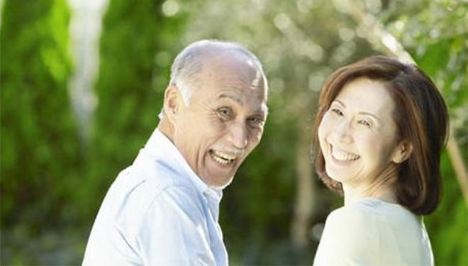 老人年纪大了牙齿脱落,怎么办?