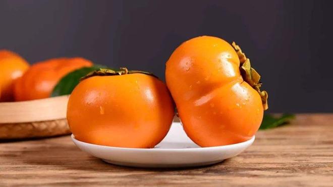 """吃柿子长结石,喝可乐""""消石""""要分人"""