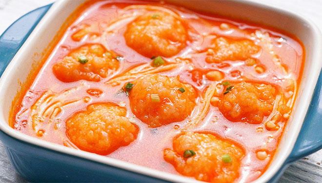 菌菇番茄虾滑煲滋补强身