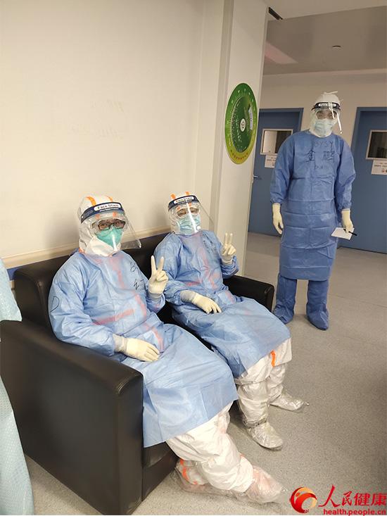 援鄂医生:6小时收治24位病人有时也会忐忑