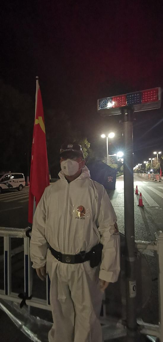 """湖北荆州刑警:疫情是一场""""大考""""我们必须随时""""在线"""""""